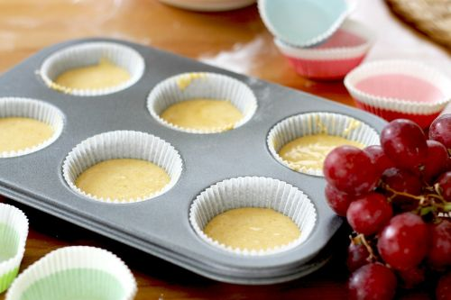 muffins pans filled