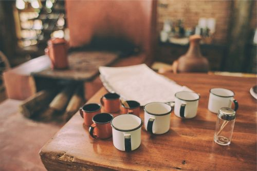 mugs cups table