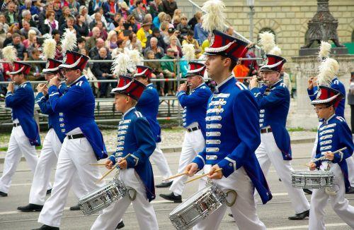 munich parade musicians