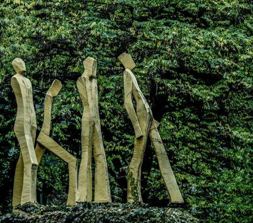 munich statues street