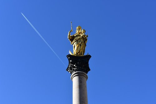 munich  marienplatz  marian column