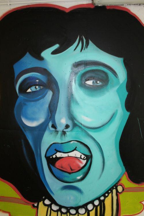 murals face woman