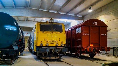 museu mora la nova  mora la nova  train