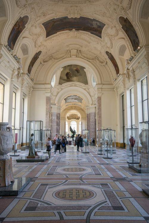 museum exhibition paris