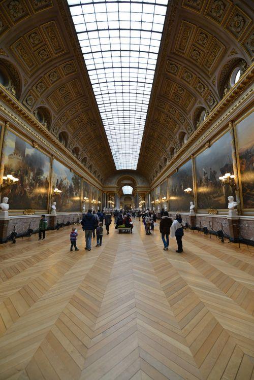 museum ceiling vertex