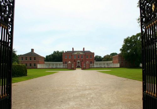 museum building gate