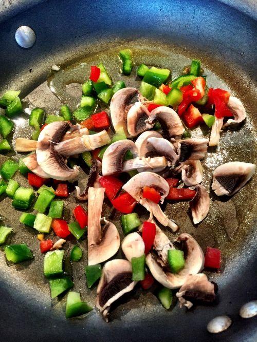 mushrooms peppers stir fry