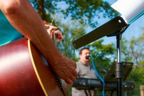 music playing band