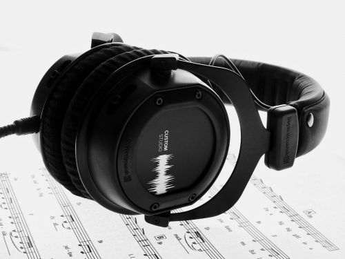 music hifi headphones