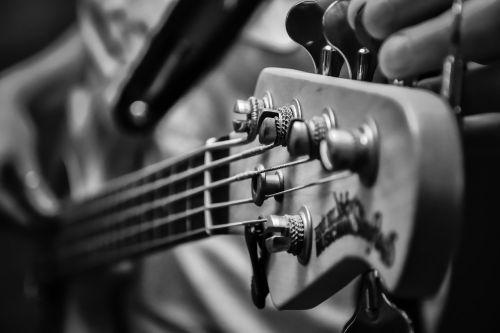music low electric bass
