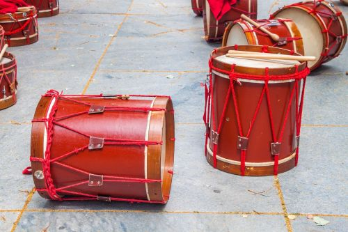 music drums red
