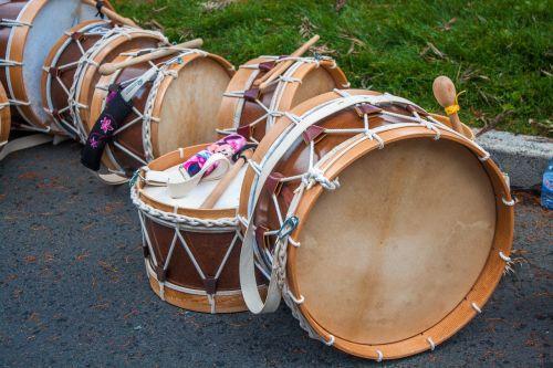 music drums brown