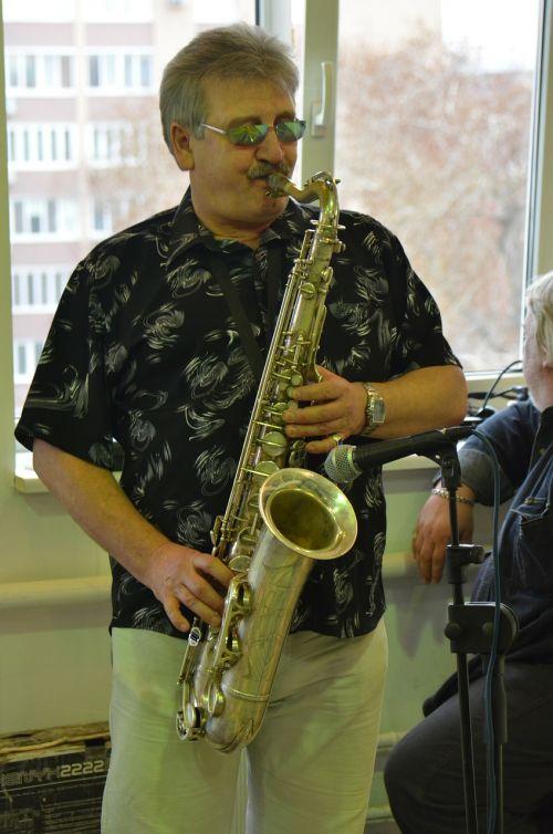 music saxophone tool