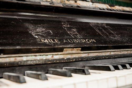 music  piano  melody
