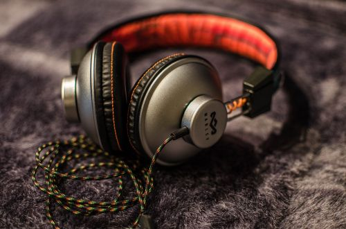 music headphones volume