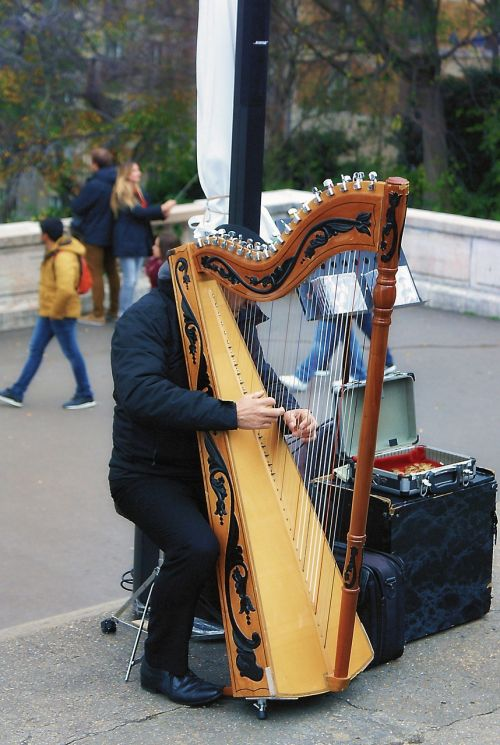 musical instrument harp street game