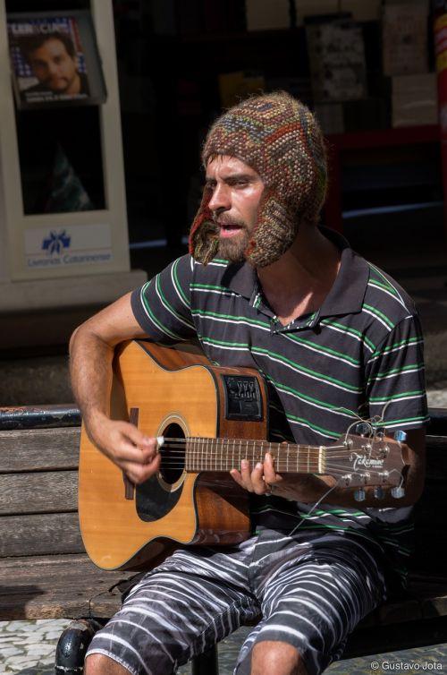 musician street music