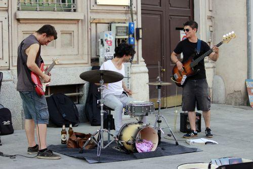 musicians street performers guitars