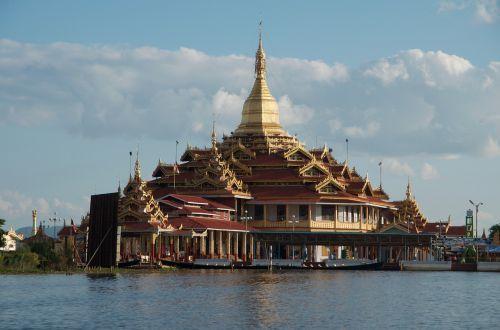 myanmar buddhism temple