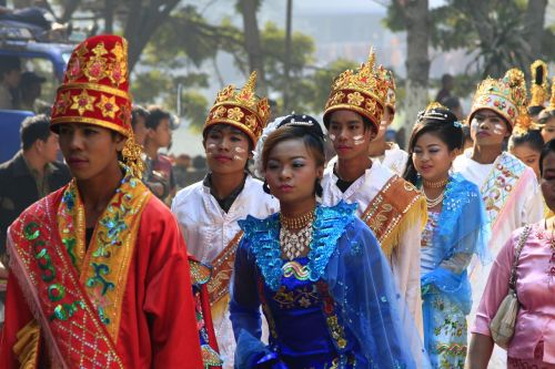 myanmar mandalay procession