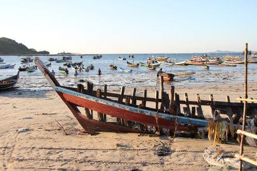myanmar beach boat