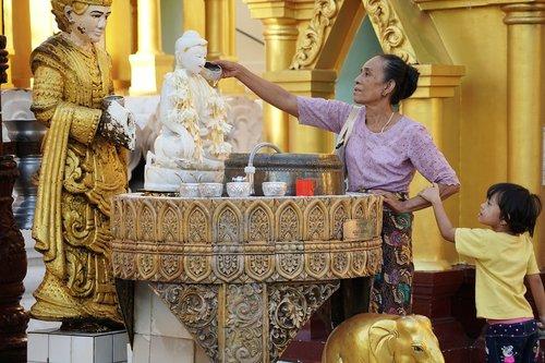 myanmar  yangon  shwedagon pagoda