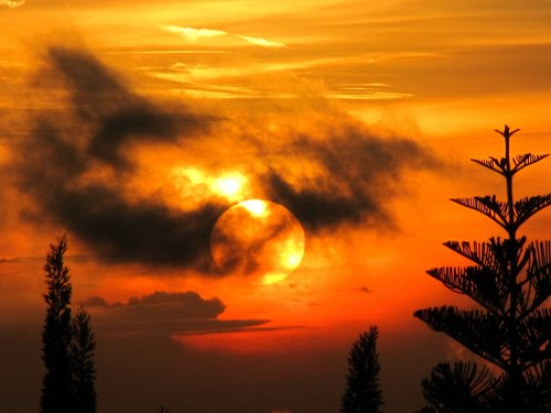 mysterious  sunset  cloudy
