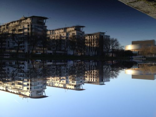 nantes quai ferdinand reflection