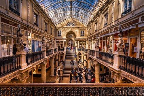 nantes  department stores  france