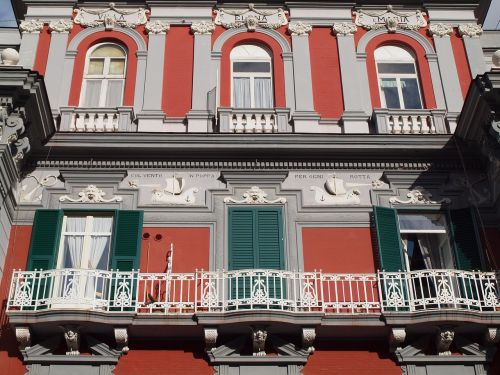 naples italy colors