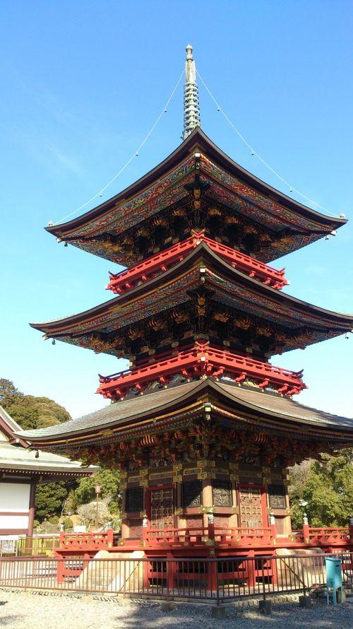 naritasan three-story pagoda building