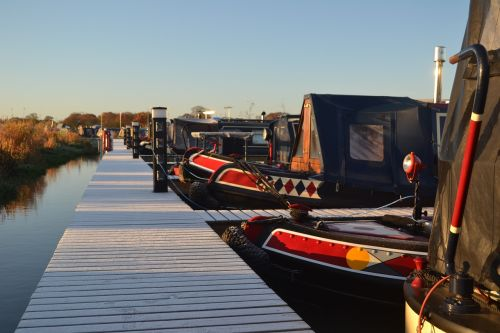 narrowboat waterway canal