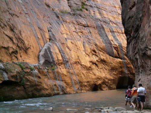 narrows canyon zion canyon