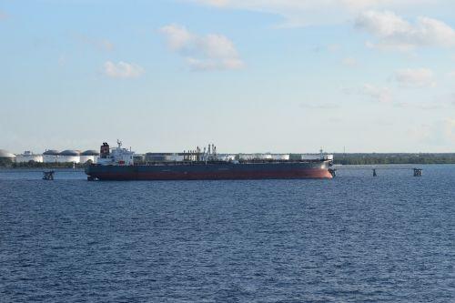 nassau bahamas ship