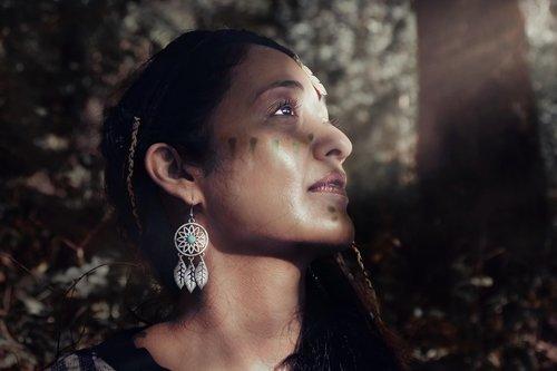 native  outdoor  woman