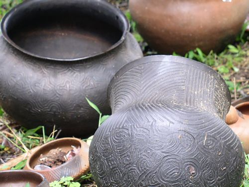 native american pottery clay jugs