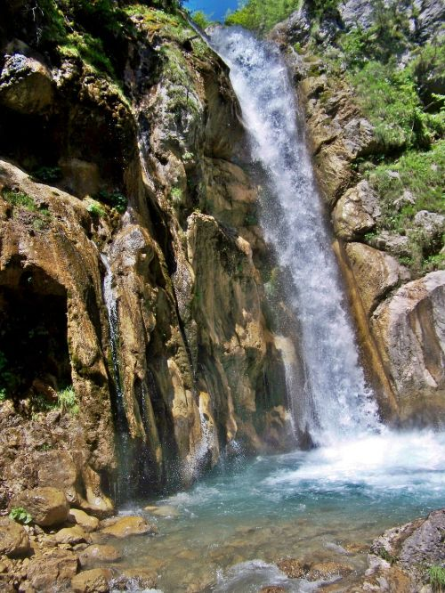 natural spectacle waterfall rapids