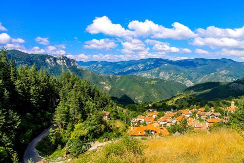 gamta,kraštovaizdis,kelionė,turizmas,kalnas,atostogos,miškas,laisvė,turistinis,nuotykis,lauke,žygiai,dangus,debesys,mėlynas,Bulgarija