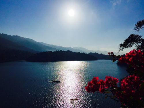 gamta,ežerai,grožis,kalnai,vanduo,upė,lauke,kelionė,nuotykis,turizmas,šventė,kelionė,debesys,vasara,kelionė