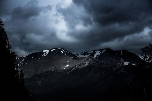 gamta,kraštovaizdis,kalnas,debesys,dangus,kelionė,nuotykis,kelionė,tamsi