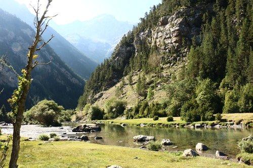 nature  pyrenees  mountaineering