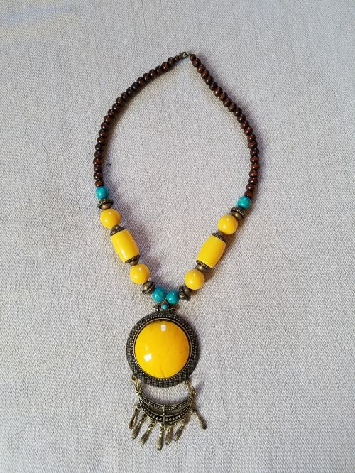 necklace beads and pendant yellow blue and brown necklace