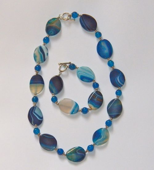 necklace agate blue