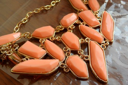 necklace of resin detail of the jewel fashion jewelry