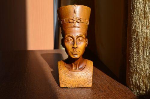 nefertiti the wife of the king akhenaten egypt