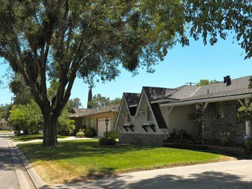 neighborhood house roof line
