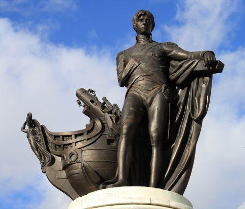 nelson statue england