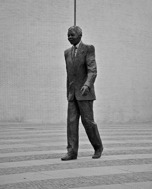 nelson mandela  statue  politics