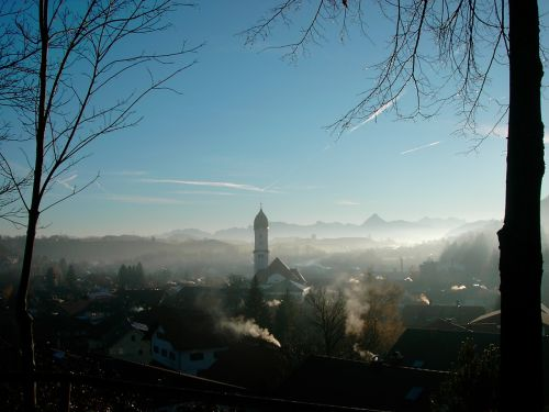 nesselwang in the haze allgäu bergpanorame with säuling