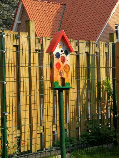 nesting box bird feeder feeding place